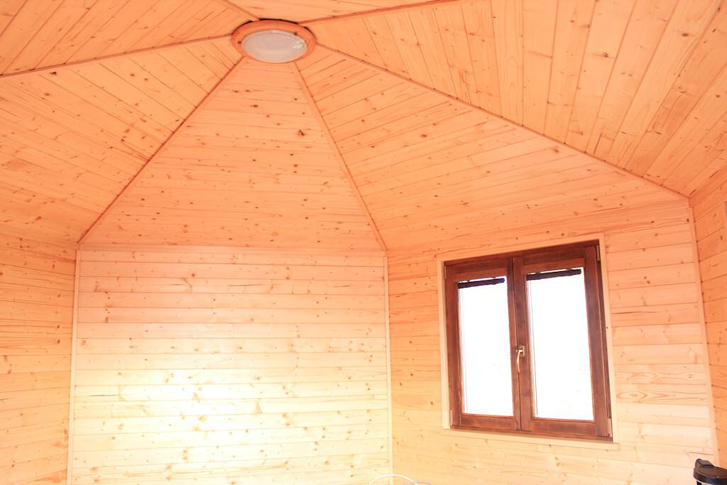 Záhradný domček interiér